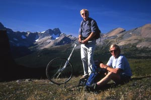 Brian and Bart with the trailwheel at Molar Pass, 1999.